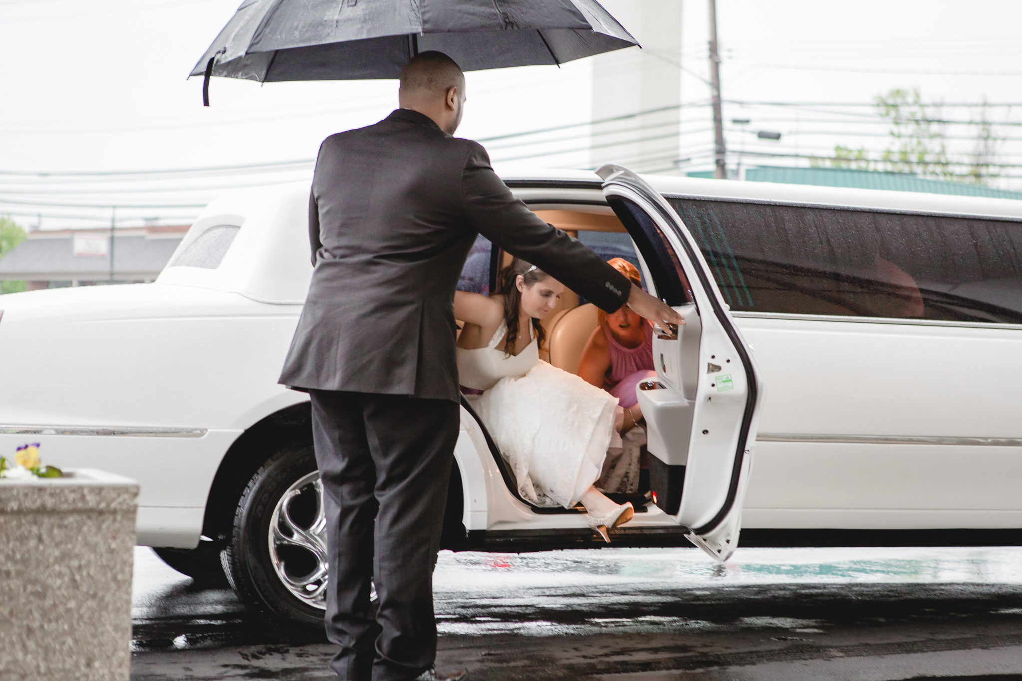 Bride arriving at St. Malachy Catholic Church in Kennedy Township