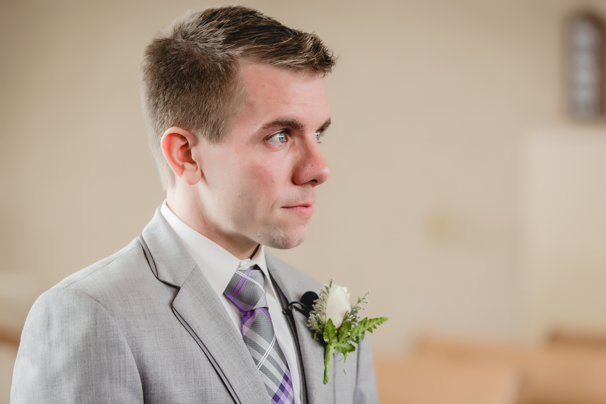 Groom tears up as he sees his bride for the first time