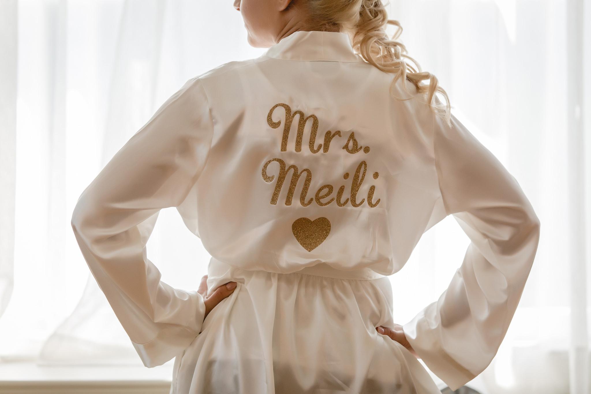 Bride's custom robe at Linden Hall mansion