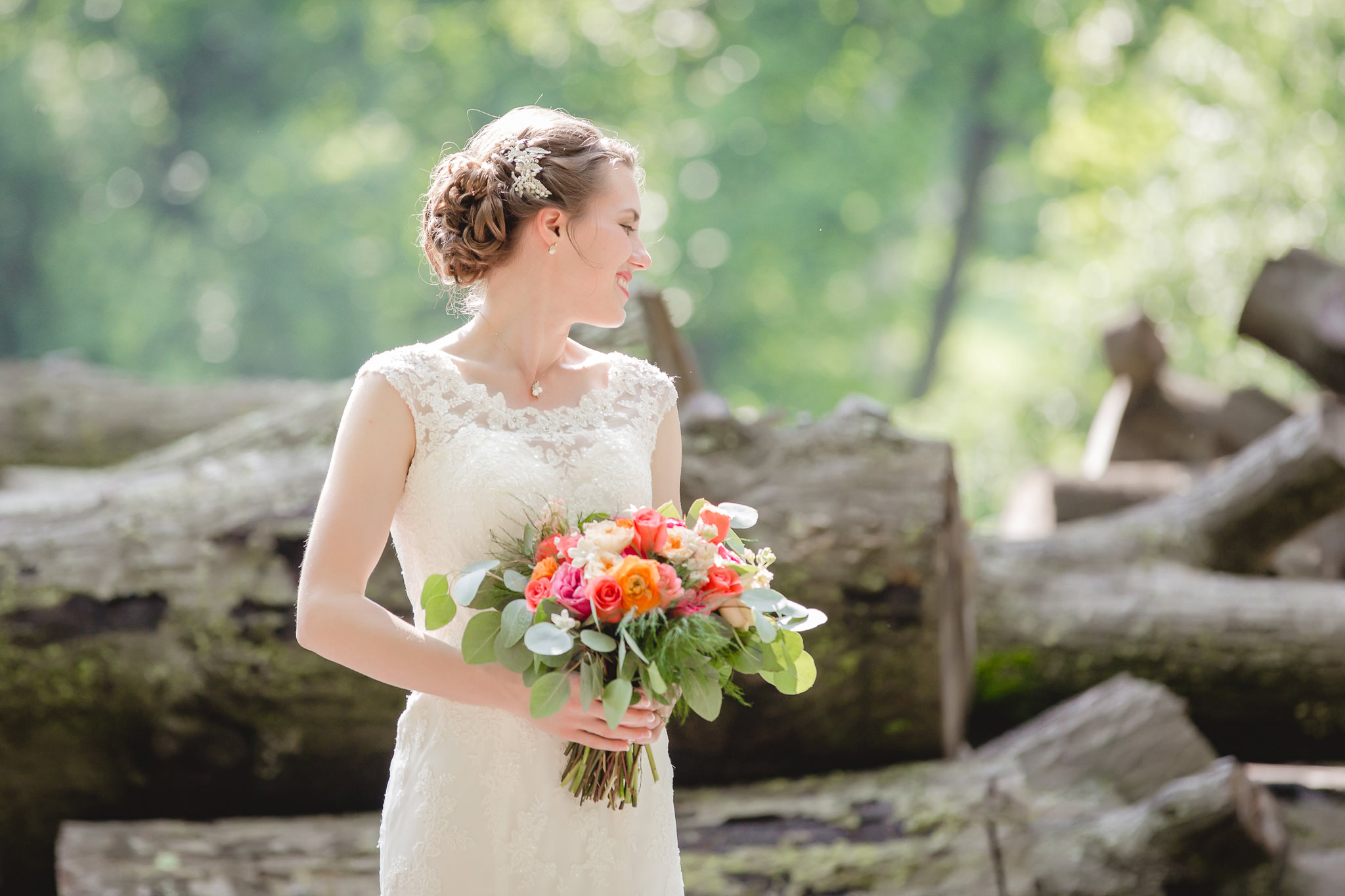 Bridal portrait at Shannopin Country Club