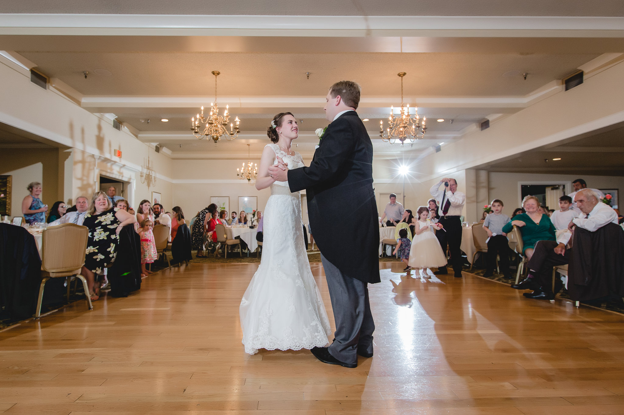 Choreographed first dance at Shannopin Country Club wedding reception
