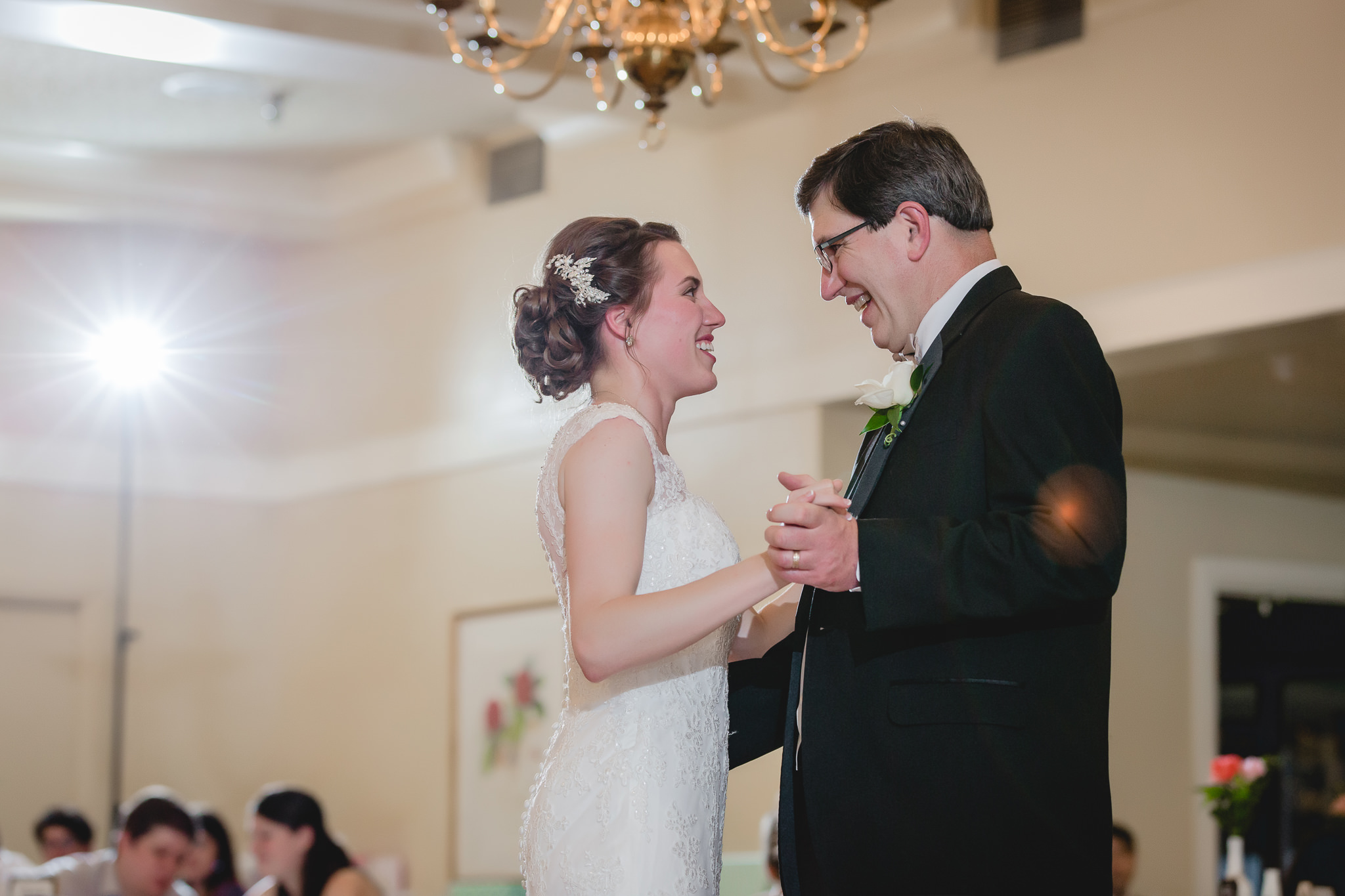 Father-daughter dance at a Shannopin Country Club wedding reception