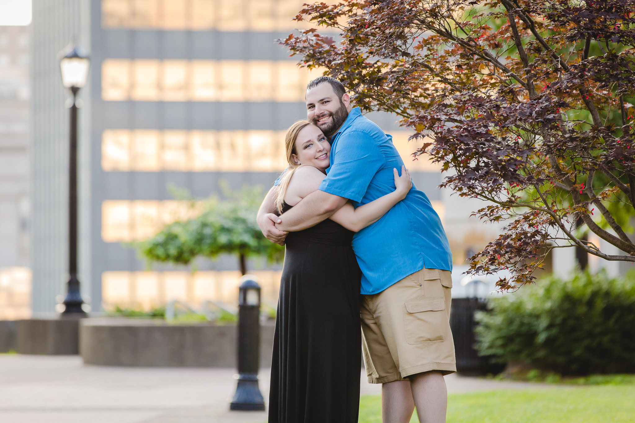 Engaged couple hugs during their Duquesne University engagement session