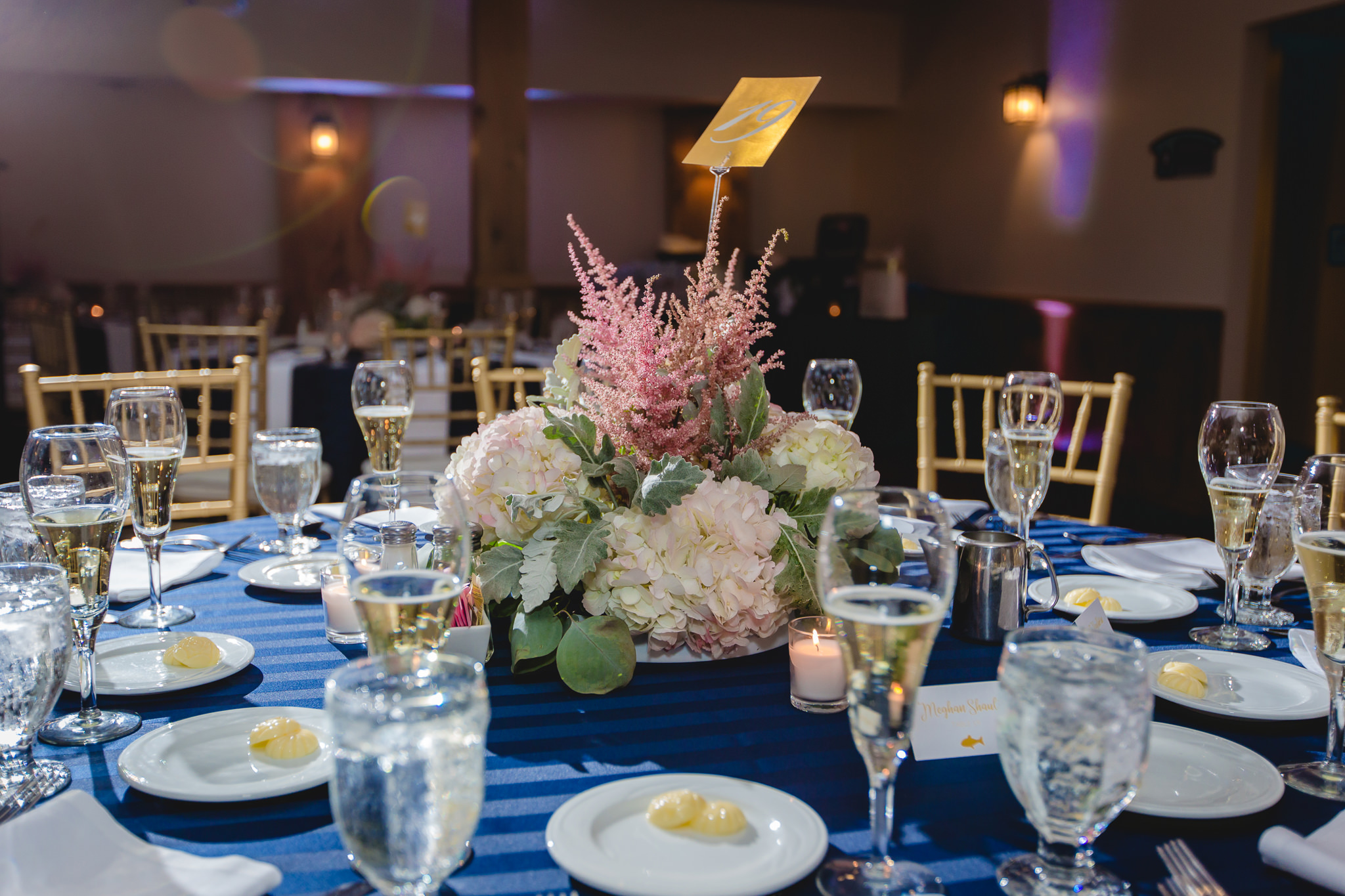 Hydrangea centerpieces at a Hidden Valley Resort wedding reception