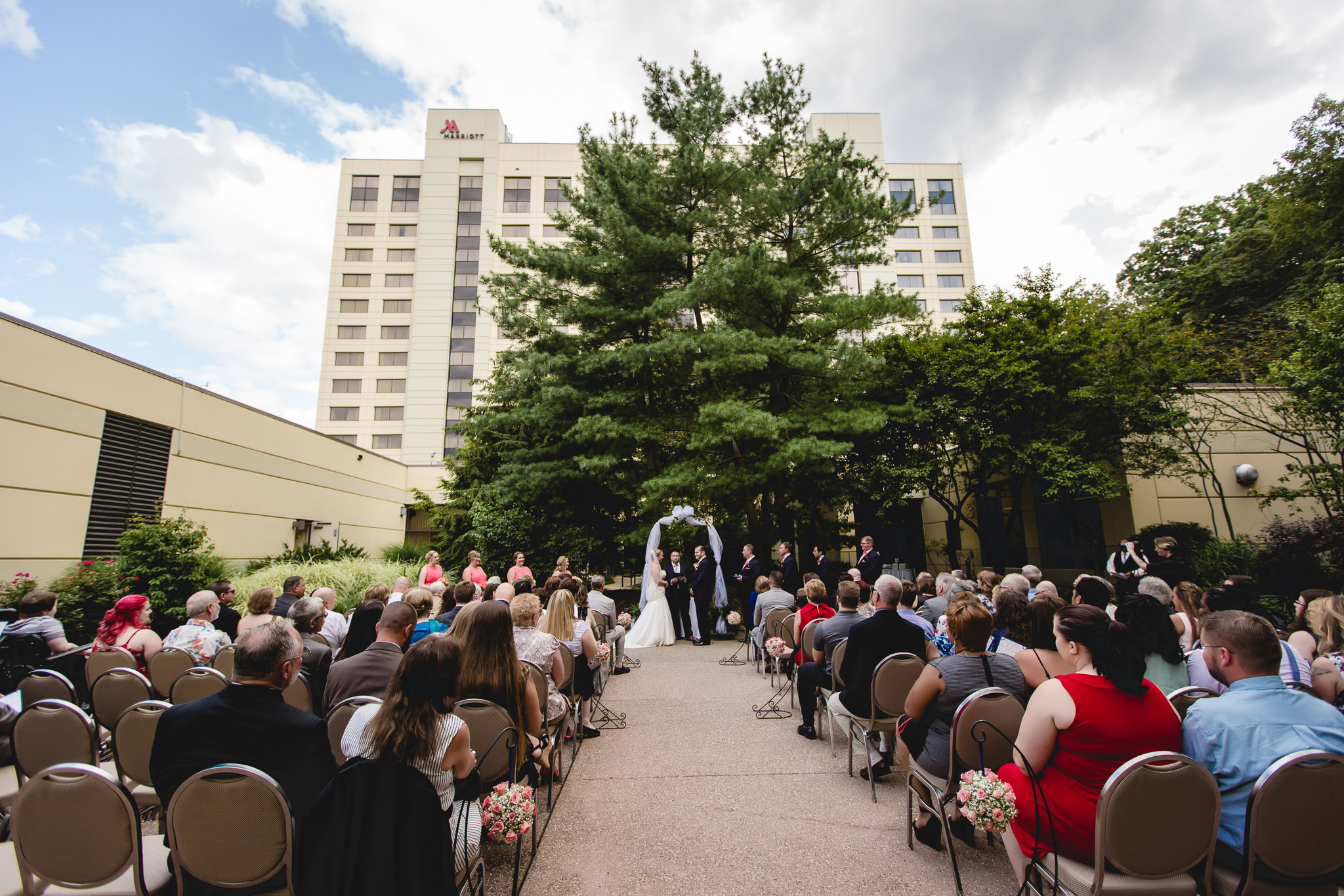 Wedding ceremony in the courtyard of the Pittsburgh Airport Marriott