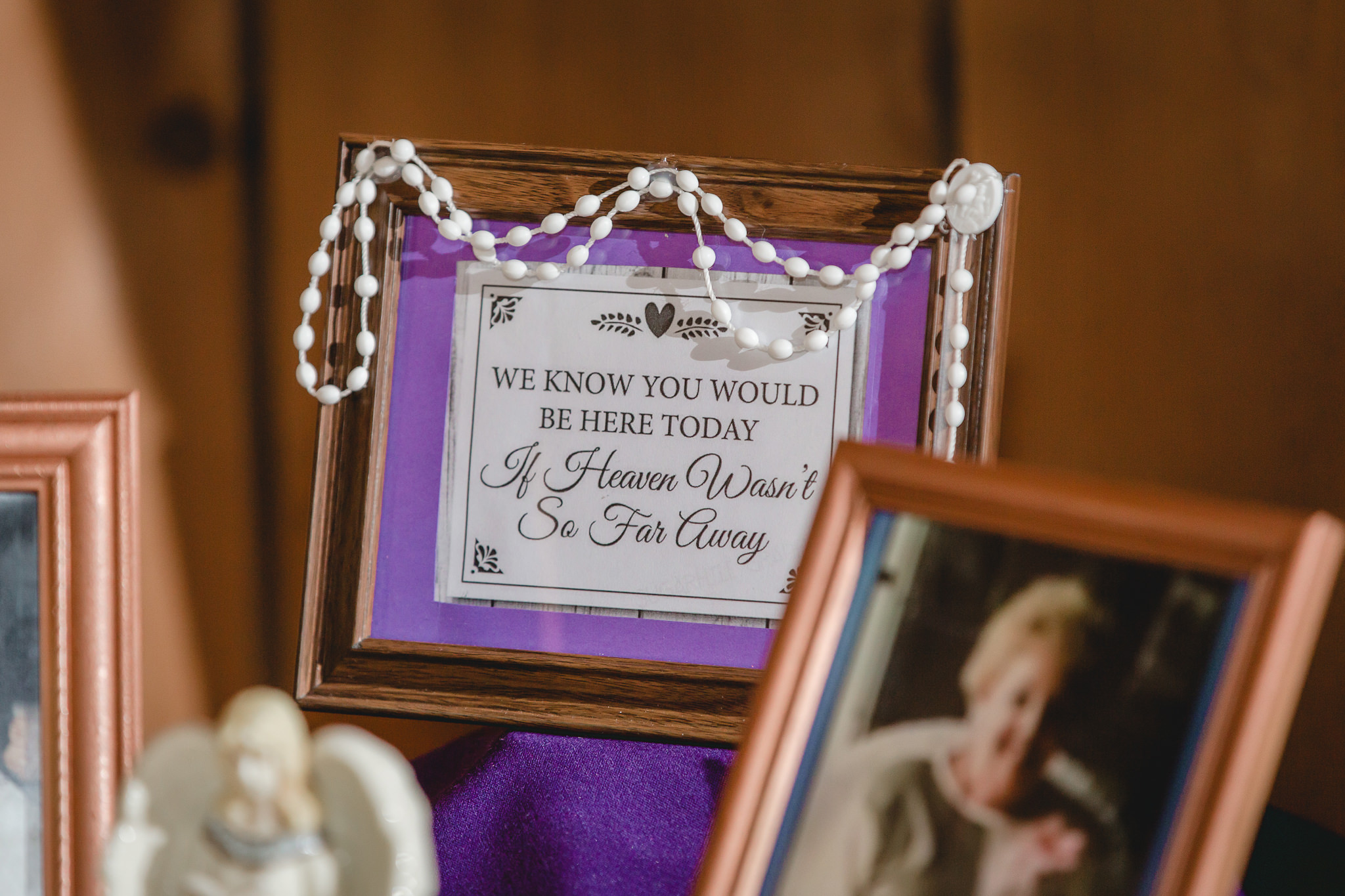 Memory sign at White Barn wedding reception